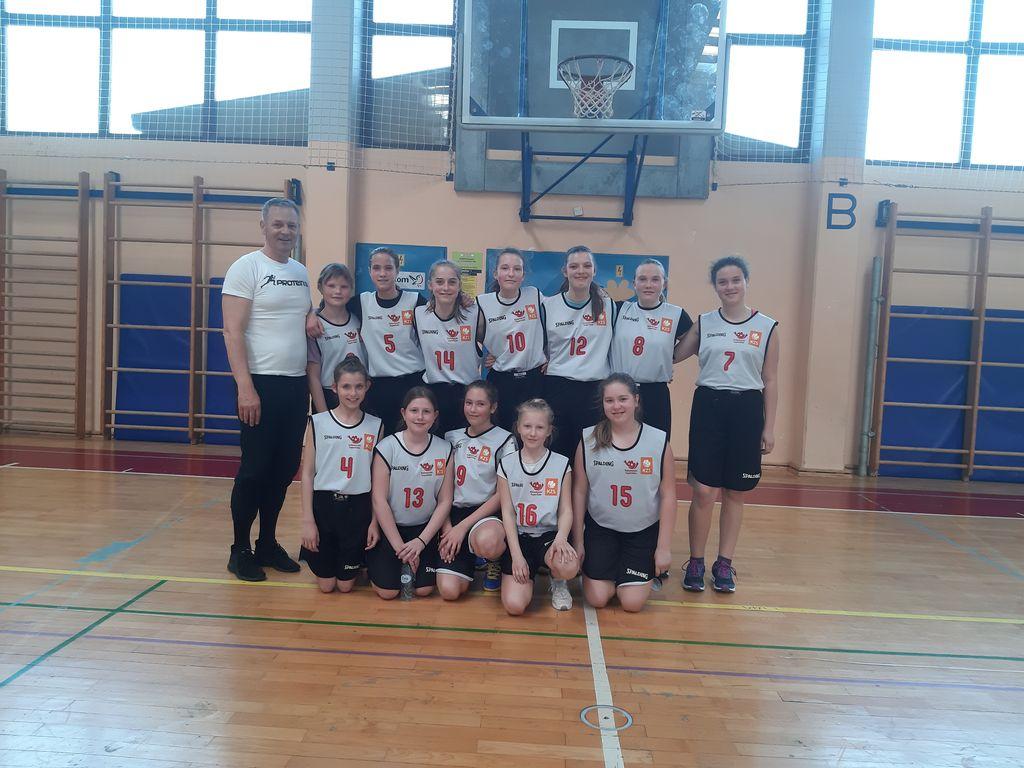 Finale področnega prvenstva v košarki za mlajše deklice