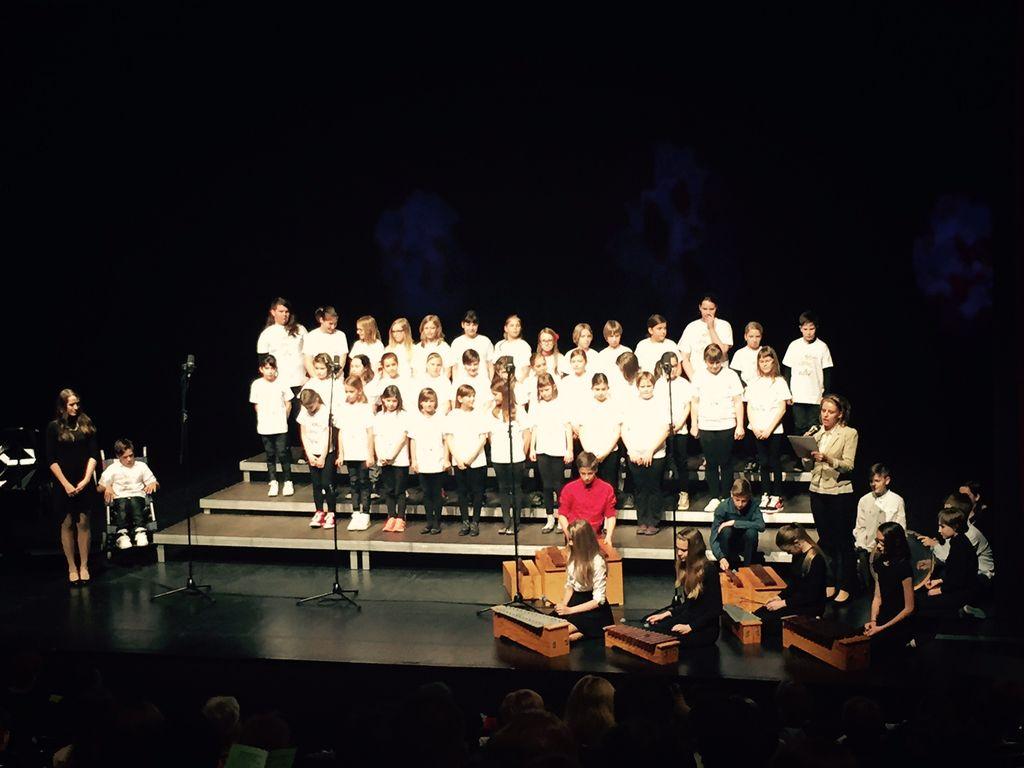 Revija otroških in mladinskih pevskih zborov