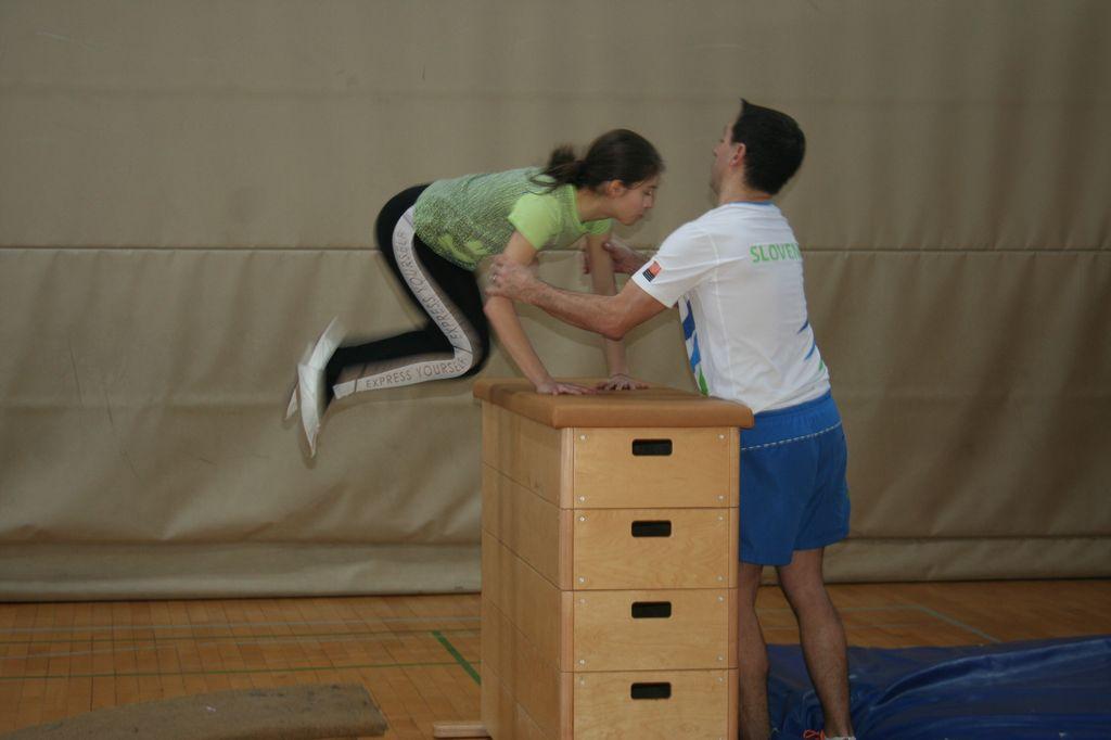 Obisk trenerja gimnastike